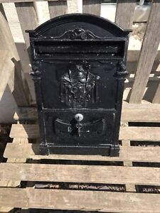 ANTIQUE LOOKING English Letter Box with Coat of Arms Black AND 2 KEYS