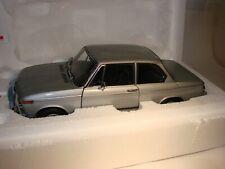 BMW 2002tii von Kyosho, Silber metallic, 1:18 Neu und in OVP