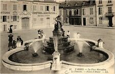 CPA TARBES La Place Marcadieu-La Fontaine-Source d'Amour (414820)