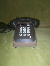 Téléphone vintage couleur marron clair et kaki à touche SOCOTEL S 63