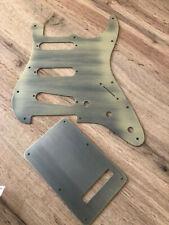 AKTION Stratocaster  Pickguard SSS  set industrial gold