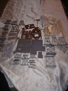 TYCO VARIOUS PIECES HO SCALE RAILROAD 38 PIECES