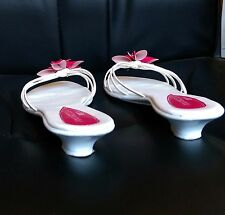 Used Women's Amarello slipper. Sandals Size 8 pink and white shoe Slip on