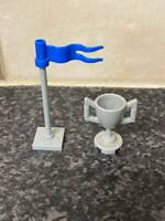 LEGO HARRY POTTER TROPHY CUP & FLAG VERY GOOD CONDITION