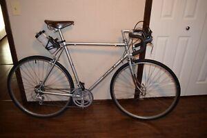 Vintage Nishiki Road Bike 10 Speed with Leather Saddle