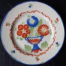 F10* Assiette ancienne en faïence de l'Est (Panier fleuri) Signée St-Clément