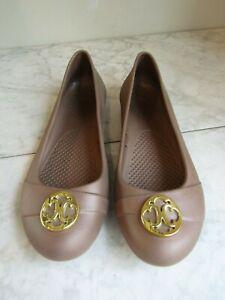 Crocs Gianna Ballet Flats with Gold Medallion Beige Women's Size 8