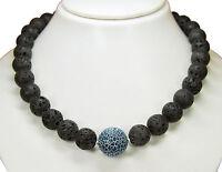 Außergewöhnlich schöne Halskette aus Lava und Fossilachat in Kugelform L-48 cm