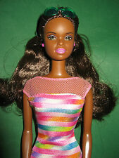 B335-FARBIGE HAWAII BARBIE CHRISTIE AA #24615 MATTEL 1999 BEAD BLAST #18890 TOP