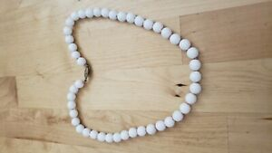 "Collectible HAND CRAFTED  FASHION NECKLACE 19"" LONG. 10 mm glass beads"
