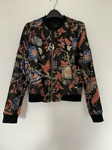 ladies guess  bomber Style jacket, Beautiful Detail Ideal for Any Occasion .