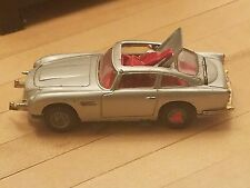 Corgi DB5 JAMES BOND 007 Aston Martin 1:43 Die Cast Toy Car C270 1968 GT Britain