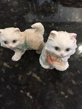 2 Vintage Homco Porcelain Kitten Cat Figurines White w/ Blue Eyes Taiwan
