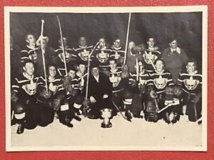 TEAM CANADA 1952 OSLO OLYMPICS SUPER RARE GERMAN HOCKEY CARD HEUKO KOLN