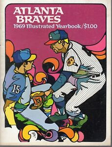 1969  Atlanta Braves Yearbook Magazine, Baseball, Phil Niekro, Hank Aaron ~ Good