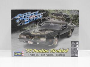 "1:25 1977 Pontiac Firebird ""Smokey And The Bandit"" Revell 4027"