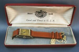 Vintage NOS Imperial Gold Tone Art Deco Mens Watch  in Box 17J Swiss 1940s