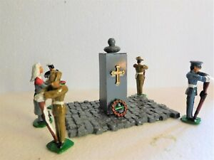 54mm Tri-Service Australian Cenotaph Guard with wreath laying nurse.