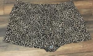 Apt.9 Cheetah Leopard Print Shorts Short Mid Rise Straight Through Hip & Thigh
