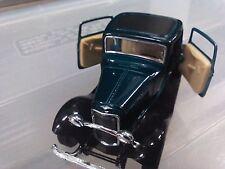 VINTAGE 1932 FORD 3-WINDOW COUPE DIE CAST CAR 1:34 SCALE KINSMART