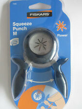 Fiskars Squeeze Punch Flower Medium