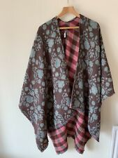 Ladies Laura Ashley One Size Wrap Shawl Knitted Tartan