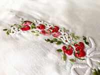 VINTAGE HAND EMBROIDERED WHITE COTTON TABLE CENTRE TRAY CLOTH Raised Strawberry