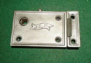 SMALL J & N VINTAGE PASSAGE DOOR RIM LOCK   CAST IRON     WORKS GREAT (15972-3)