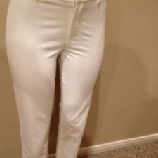 Black Label Ralph Lauren Ladies Size 6  Cream/Winter White. Corduroy Pants Slim