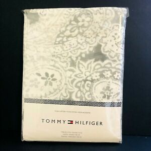 """NEW Tommy Hilfiger 70"""" Round Tablecloth Gray White 100% Cotton Geometric Floral"""