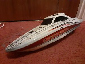Model boat with inboard motor