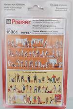 Preiser 16361 H0 Figuren bei der Haus- und Gartenarbeit