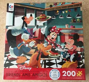 """DISNEY CEACO """"FRIENDS"""" PUZZLE WITH MICKEY & MINNIE ETC PLUS POSTER - PRE-OWNED"""