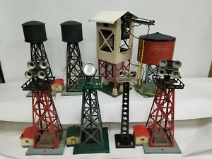 VINTAGE LOT 8 PIECES AMERICAN FLYER WATER TOWER SEARCH LIGHT COAL LOADER