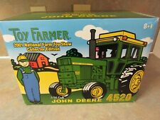 ERTL JOHN DEERE 4520 TRACTOR 2001 TOY FARMER SHOW  1:16