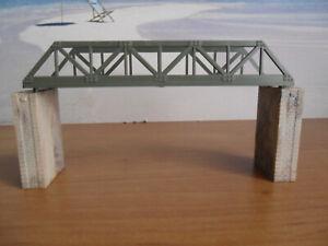Brücke ca. 13 cm mit Brückenpfeiler von Arnold Spur N 24