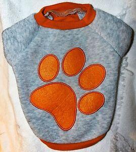 Grreat Choice – Gray And Orange Paw Print Fleece T Shirt SZ - S