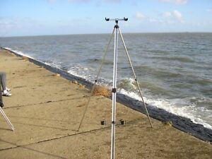 6ft  EXSTENDABLE SEA FISHING TRIPOD double head and cups