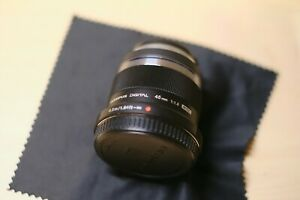 Olympus M.Zuiko 45mm f/1.8 Lens (Black) - Mint with Filter