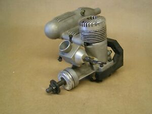K&B .40 engine, w/ muffler & mount, looks like a fresh rebuild nice clean engine