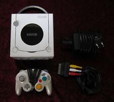 Nintendo Game Cube Spiele Konsole in Weiß mit original GameCube Controller