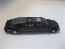 Kinsmart 1999 Lincoln Town Car Stretch Limousine Limo 1:38 Diecast Model Black