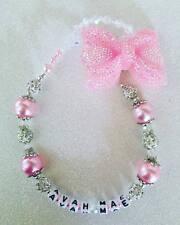 Romany Swavorski y Pedrería Bling Personalizado Pink Bow Maniquí Clip Holder