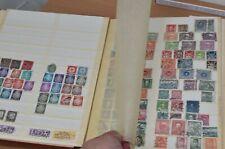 Briefmarkenalbum mit Briefmarken aus aller Welt, viel DDR