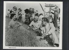 WILLIAM HOLDEN + JENNIFER JONES AND CREW ON LOCATION - 1955 VINTAGE PHOTO
