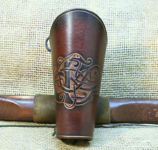 Brassard de bow Cuir brun Urnes Style Drache Gravant en refief Cuir de vachette