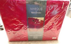 MARQUIS BY WATERFORD 21 PIECE RED CHRISTMAS TABLE LINEN ENSEMBLE NOS.