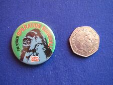 Golden Wonder Operation Survival - Gorilla   pin badge   1981