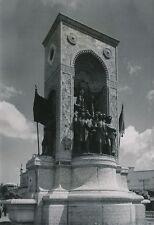 TURQUIE  c. 1950 -  Cumhuriyet Anıtı  Place Taksim  Istambul - P 914