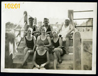 Orig. Vintage Photograph, sewy women and men in swimsuit 1920's Hungary